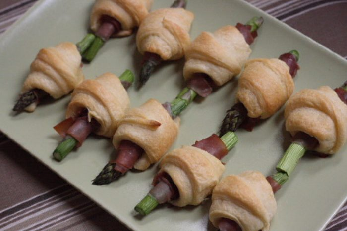 Pigs in a Blanket Asparagus Proscuitto recipe Trader Joes
