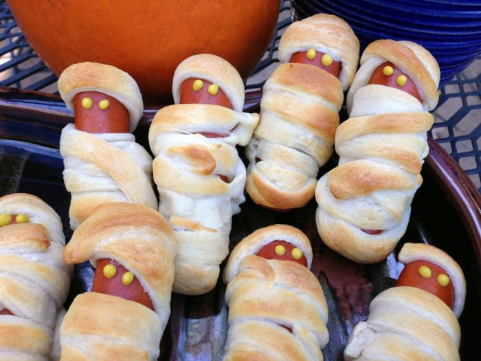 hot-dog-mummies-trader-joes-crescent-rolls